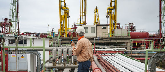 Shot of an operator in one of Repsol's industrial complexes